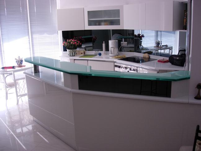 creer un comptoir bar cuisine beau creer un comptoir bar cuisine meubles en bois massif. Black Bedroom Furniture Sets. Home Design Ideas