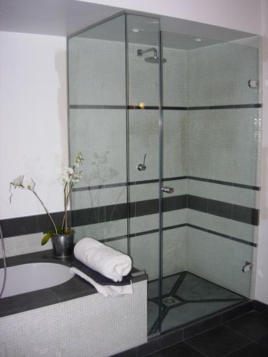Sablart salle de bain for Bain et douche cote a cote