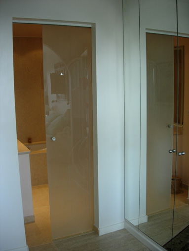 Sablart salle de bain for Porte coulissante salle de bain verre